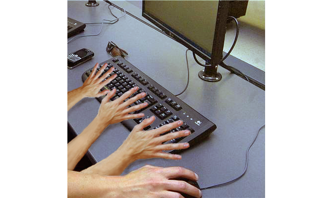 Keyboard with four hands